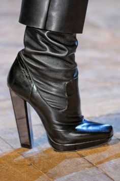 Yves Saint Laurent Fall 2012 Detail - Yves Saint Laurent Ready-To-Wear Collection