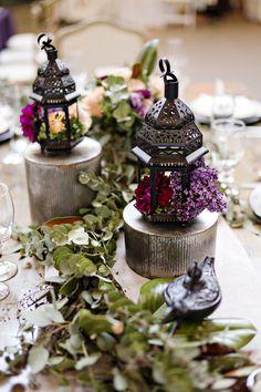 boho wedding fern tablescape - photo: Andie Freeman - http://ruffledblog.com/wanderlust-inspired-wedding-in-los-angeles