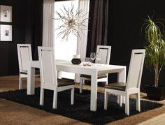 Mesa de fresno con sillas