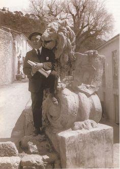 """EL CINE Y OTROS ESPECTACULOS: El que luego se convertiría en fecundo director de películas valencianas, Maximiliano Thous, era un destacado periodista, poeta y autor teatral que escribió, entre otras obras, la Zarzuela Portfolio de Valencia, con música de Vicente Peydro, estrenada en el teatro Princesa, y """"El Carro de Fuego, con música del maestro Serrano, estrenada en el teatro Apolo en 1912. En 1909 escribió la letra del himno de la exposición, que luego se convirtió en el himno de…"""