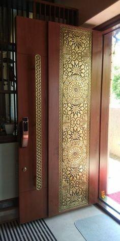 House Main Door Design, Home Door Design, Main Entrance Door Design, Wooden Front Door Design, Pooja Room Door Design, Home Entrance Decor, Door Gate Design, Wooden Front Doors, Door Design Interior