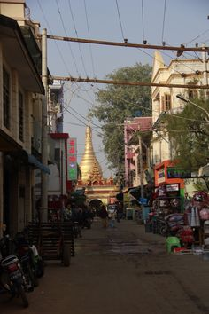 My last day in Myanmar and it's time for me to give you a conclusion about this country. But I won't. You've read the articles and you have seen the pictures and I hope it will gi…