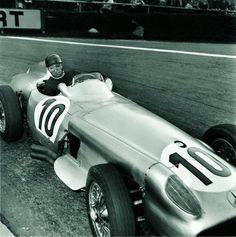 frenchcurious - Juan Manuel Fangio (Mercedes-Benz W196) vainqueur...
