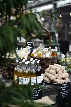 Wedding Food Love the idea of presenting food like this for a party Wein Parties, Wedding Table, Wedding Decor, Wedding Favors, Glace Fruit, Think Food, Food Displays, Partys, Buffets
