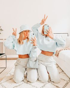 """Uploaded by ✰ 𝚔𝚎𝚗𝚕𝚎𝚢 ✰ - E d i t e d b y k e n l e y"" Foto Best Friend, Best Friend Photos, Best Friend Goals, My Best Friend, Best Friends, Friend Pics, Bff Pics, Cute Friend Pictures, Cute Photos"