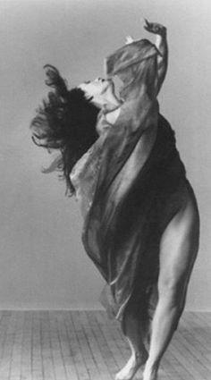 Isadora Duncan - divino scalzo 1877-1927