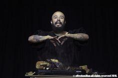 Edwin Salas Performance Studio – ADULTÍTERES