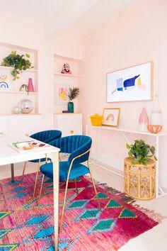 8 πανέμορφα ροζ γραφεία στο σπίτι, που θα σε βάλουν να βάψεις το δωμάτιο! #βαψιμο2021 #βαψιμοδωματιου #βαψιμοιδεες #γραφειοδωματιο #γραφειοσπιτιου #γραφειοστοσπιτι #δουλειααποτοσπιτι #ιδεεςδιακοσμησης #ροζ #χρωματοιχου #χρωματατοιχων ΑΝΑΚΑΙΝΙΣΗ Home Office Design, Home Office Decor, House Design, Office Ideas, Office Inspo, Office Designs, Creative Office Decor, Modern Office Decor, Interior Design Inspiration