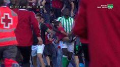 El espectacular gesto de los jugadores del Betis en El Sadar
