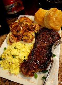 Steak and eggs, shrimp and grits, biscuits and jelly👌👌👌 Ketogenic Diet Food List, Mouth Watering Food, Your Soul, Steak And Eggs, Breakfast Time, Recipe Of The Day, Tandoori Chicken, Beef Recipes, Macaroni And Cheese
