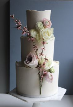 Modern three tier minimal wedding cake by Yolk www.cakesbyyolk.com