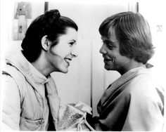 Retro Star Wars Strikes Back Carrie Fisher and Mark Hamill sharing a joke on the set of Empire Strikes Back- Star Wars Cast, Leia Star Wars, Star Wars Luke Skywalker, Star Trek, Saga, Princesa Leia, Han And Leia, Star Wars Girls, Mark Hamill