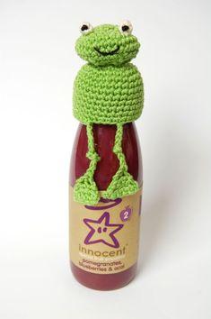 Ravelry: Frog Hat for Innocent Smoothie Big Knit - Crochet Version (Free Pattern) pattern by Oliver Boliver Crafts With Glass Jars, Jar Crafts, Crochet Frog, Knit Crochet, Crochet Stitches, Crochet Gifts, Crochet Hooks, Innocent Drinks, Crochet Cup Cozy
