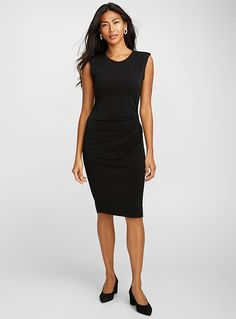 Flatter your figure with our bodycon dresses. For a day in the sun or an elegant evening out, discover summer dresses that are chic, casual, short, and long. Sheath Dress, Bodycon Dress, Summer Dresses, Clothes For Women, Elegant, Chic, Casual, Black, Fashion