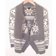 Express Snowflake Draped Cardigan This draped cardigan is cozy and in like new condition.  Will look great with your favorite skinny jeans and boots! Express Sweaters Cardigans