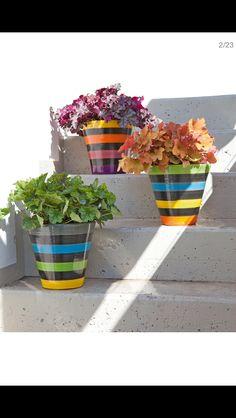 Painted Clay Pots, Painted Flower Pots, Flower Pot Crafts, Clay Pot Crafts, Flower Pot Design, Pottery Painting Designs, Basket Crafts, Outdoor Pots, Terracotta Pots