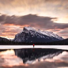 Hotels-live.com/cartes-virtuelles #MGWV #F4F #RT Vermilion Lake Banff National Park Alberta Canada | Photography by  Tanner Wendell Stewart (@tannerwendell) #EarthOfficial by earthofficial https://www.instagram.com/p/BB22gZQt0aF/