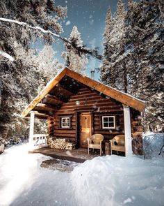 Best Small Log Cabin Ideas With Awesome Decoration can find Small cabins and more on our website.Best Small Log Cabin Ideas With Awesome Decoration 33