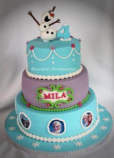 I made this Frozen cake for a 4 years old girl. Deze taart heb ik gemaakt voor een meisje die 4 jaar werd