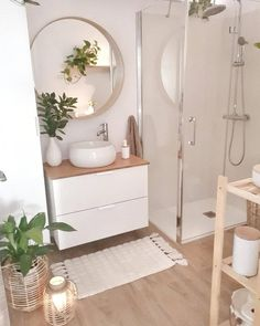 42 Super Creative DIY Bathroom Storage Projects to Organize Your Bathroom on a Budget - The Trending House Small Bathroom Decor, Interior, Bathroom Design Decor, Bathroom Design Luxury, Bathroom Design Small, Bathroom Interior Design, Home Decor, House Interior, Interior Design Bathroom Small