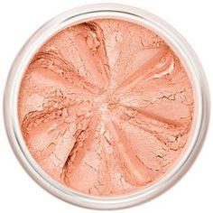 Des pommettes à croquer... la teinte pêche rosée irisée du Blush Minéral Cherry Blossom s'accorde particulièrement bien aux teints clairs. Le délicat Blush Minéral du Maquillage Lily Lolo apporte fraîcheur et luminosité à votre teint, effet «bonne mine» assuré ! Les textures aériennes et soyeuses sont proposées dans des teintes mates ou irisées pour s'adapter à chaque look. 9€ #blush #joues #pommettes #peche #maquillage #mineral #teint #naturel #lilylolo www.officina-paris.fr