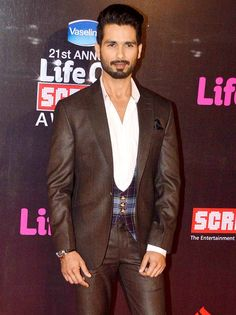 Shahid Kapoor at Life OK Screen Awards 2015. #Bollywood #Fashion #Style #Handsome