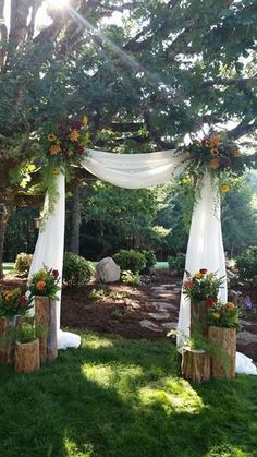 green wedding arch can be used for rustic wedding and outdoor wedding