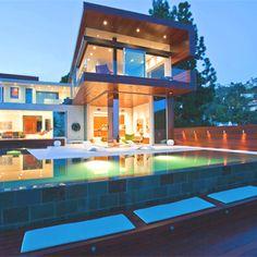 Such a cool backyard