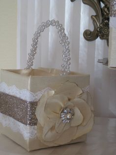 Flower Girl Basket - Different colors and handle Card Box Wedding, Our Wedding, Dream Wedding, Wedding Ideas, Flower Girl Basket, Flower Girls, Trousseau Packing, Persian Wedding, Ring Pillows