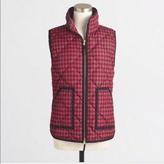 J. Crew Puffer Vest This J. Crew vest is in brand new condition. Perfect for layering. 😊 Size small J. Crew Jackets & Coats Vests
