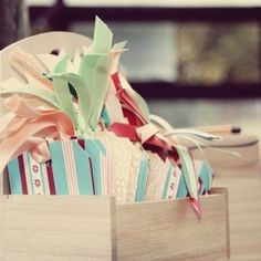 Everyone will have time to think and write a message to the newly weds with these pretty message tags.