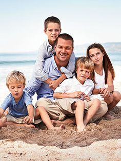 Chris O'Donnell- Family man and hottie all in one