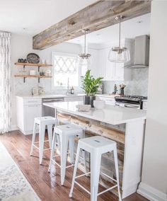 40 Awesome Farmhouse Kitchen Cabinets Design Ideas and Decorations 25 Modern Austin farmhouse kitchen 40 modern country kitchen design ideas to change your kitchen style 40 Awesome Farmhouse Kitchen Cabinets Design Ideas and Decorations 25 Kitchen Inspirations, Interior Design Kitchen, Home Decor Kitchen, Kitchen Design Small, Farmhouse Kitchen Countertops, Rustic Farmhouse Kitchen, Kitchen Remodel, Kitchen Renovation, Farmhouse Kitchen Decor