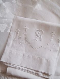 . . . Cabin & Cottage : An Old Transferware Plate, Linens and Lace