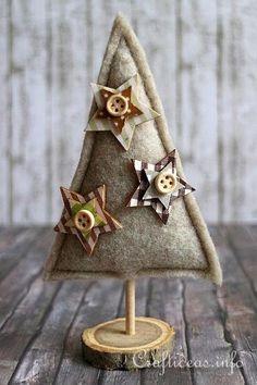 Felt Crafts for Christmas - Felt Christmas Trees Country Christmas Trees, Felt Christmas Decorations, Christmas Tree Crafts, Felt Christmas Ornaments, Christmas Sewing, Christmas Makes, Rustic Christmas, Christmas Projects, Handmade Christmas
