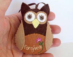 Felt Owl Christmas Ornament, Christian Owl Ornament, by purelysimpledesigns on Etsy https://www.etsy.com/listing/259746742/felt-owl-christmas-ornament-christian