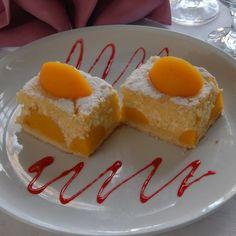 Egy finom Barackos túrós süti ebédre vagy vacsorára? Barackos túrós süti Receptek a Mindmegette.hu Recept gyűjteményében!
