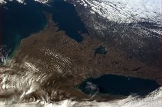Southern Ontario as seen from International Space Station. Thank you, Chris Hadfield Canadian Commander, astronaut, hero. Chris Hadfield, Lake Huron, International Space Station, Space Photos, Earth From Space, Aerial Photography, Aerial View, Science Nature, Hard Rock