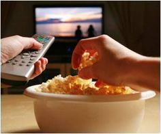 In US adolescents, a clear association exists between television viewing and unhealthy eating habits, shows study.
