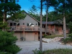 VRBO.com #248428 - Location, Location!  Large Home, Beach, Walk to Glen Arbor