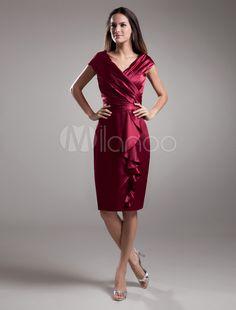 [75,34€] robe sublimée de cocktail fourreau bordeaux en satin stretch effet col V avec volant vertical