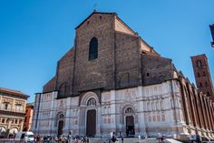 Visiting the Basilica of San Petronio is one of the top things to do in Bologna Italy Italy Vacation, Italy Travel, Pompeii And Herculaneum, Bologna Italy, The Two Towers, Visit Italy, Most Beautiful Beaches, Amalfi Coast, Where To Go