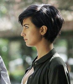 New short hairstyles for 2019 bobs and pixie haircuts 00009 - #Bobs #Haircuts #Hairstyles #Pixie #Short #shorthaircolorpixie