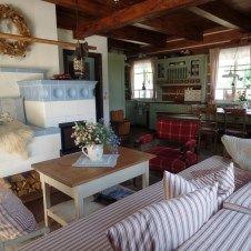 Pronájem luxusní roubené chalupy, penzion Roubenka Hukvaldy - Fotogalerie Simply Home, Chalet Style, Natural Living, Beautiful Homes, Cottage, House Design, Cabin, Attic, Houses