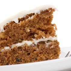 Light Carrot Cake with Cream Cheese Icing Recipe My Recipes, Mexican Food Recipes, Sweet Recipes, Dessert Recipes, Favorite Recipes, Desserts, Bolo Fit, Yummy Treats, Yummy Food