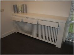 Radiatorombouw met lades Diy Radiator Cover, Home Hacks, Ideal Home, Interior Design Living Room, Home And Living, Home Projects, Home Furnishings, Home Furniture, Bedroom Decor