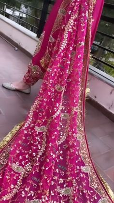 Indian Gowns Dresses, Indian Fashion Dresses, Dress Indian Style, Indian Designer Outfits, Stylish Dresses For Girls, Stylish Dress Designs, Designs For Dresses, Indian Bridal Outfits, Indian Bridal Wear