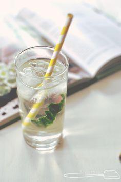 Green tea vodka & tonic