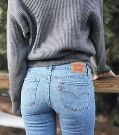 "lady addict on Twitter: ""Favorite jeans  #LadiesinLevis #levis #LADYADDICT https://t.co/R87NV5EyVM"""