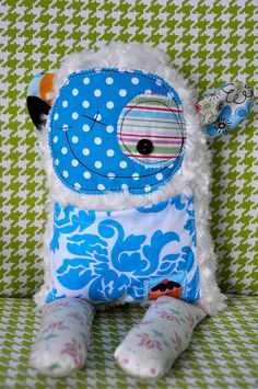 Sewing Projects For Kids, Crafty Projects, Sewing For Kids, Monster Crafts, Monster Dolls, Ugly Animals, Animals For Kids, Softies, Plushies